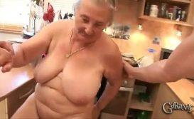 Avó puta e tarada