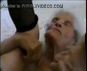 Penetrando com forca na bucetuda tia fatima