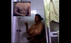 Peituda ao vivo na webcam